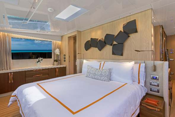 Charter yacht FREDDY stateroom
