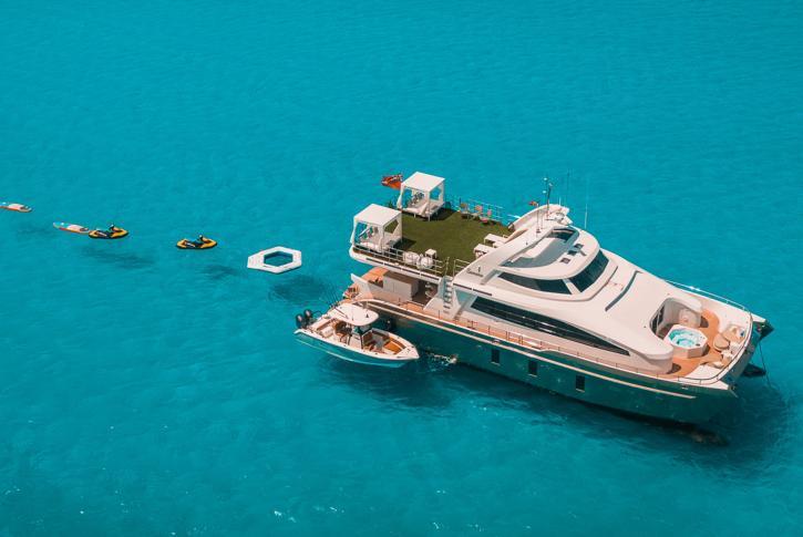 Luxury catamaran SAMARA with water toys