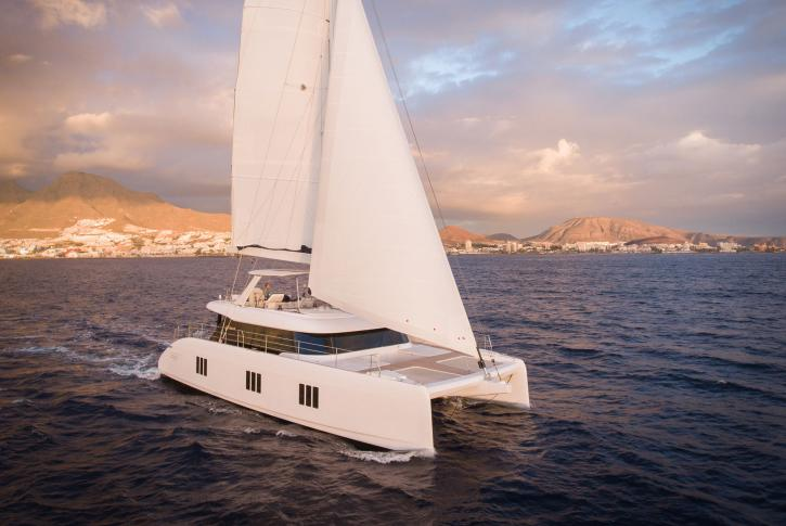Catamaran SAMA