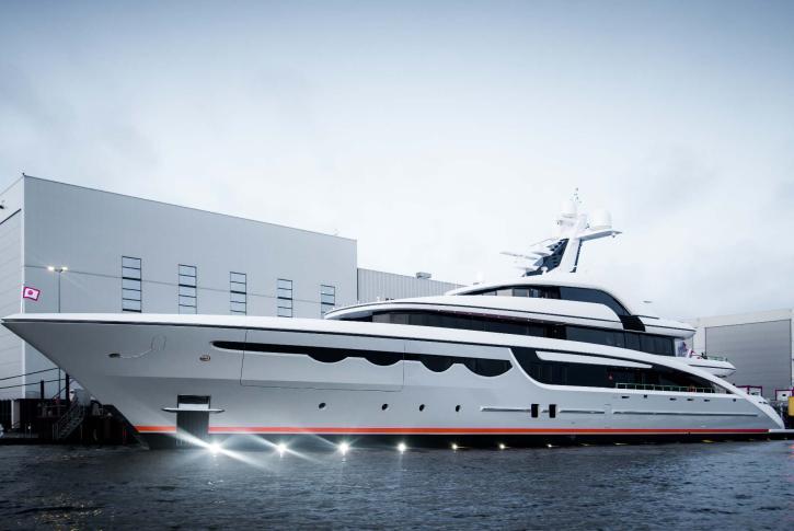 Superyacht SOARING