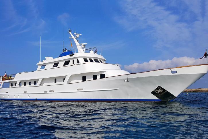 Classic motor yacht TRAFALGAR for sale