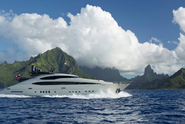 Palmer Johnson yacht VANTAGE for charter in the Bahamas