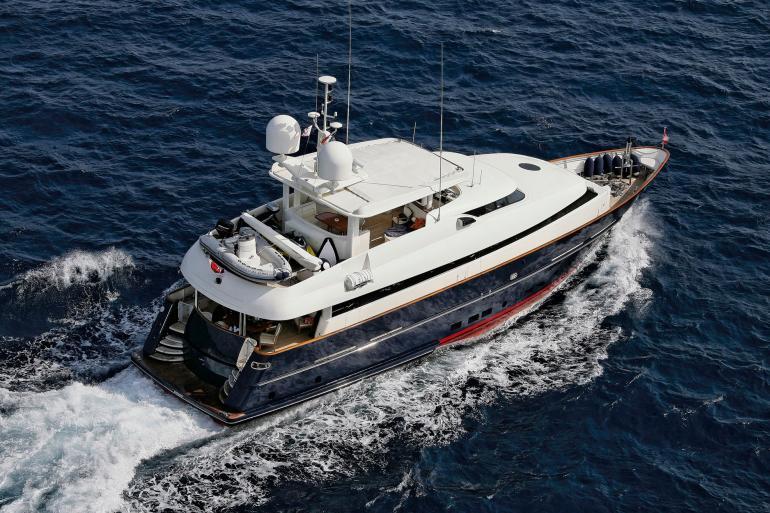 Motor yacht SUPERBA 88