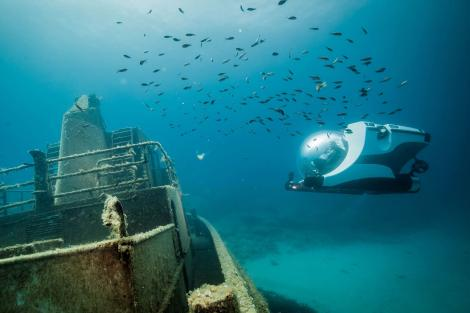 SYS3 Yacht Submersible under water
