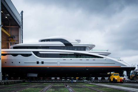 Superyacht SOARING launch