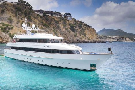 ALCOR Yacht for charter