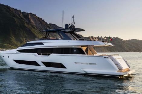 Ferretti 850 yacht sold
