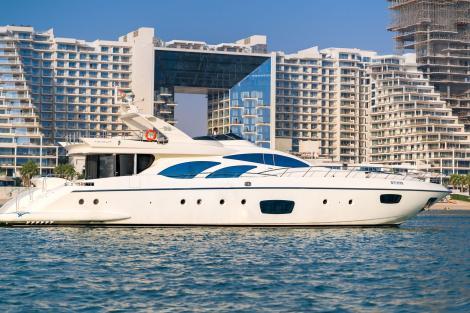 Azimut motor yacht FIVE