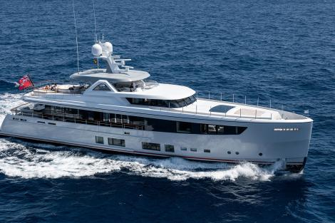 Mana yacht for charter