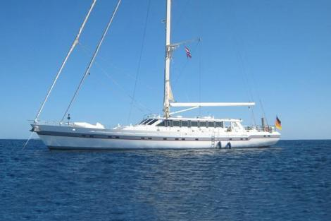 Sailing yacht ONYX