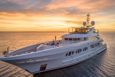 Superyacht ODYSSEA for charter