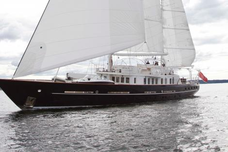 Sailing yacht SUNNY HILL for sale