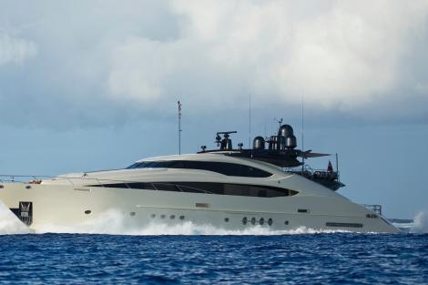 Superyacht VANTAGE