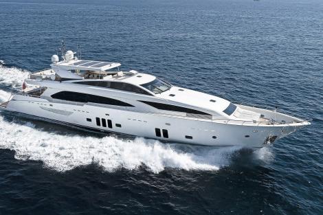 Couach 3707 motor yacht