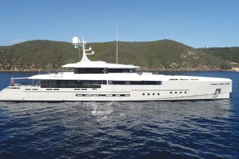 endeavour motor yacht