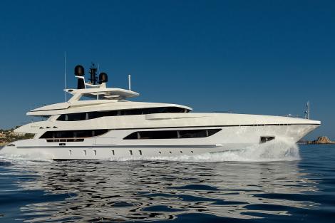 mr t motor yacht