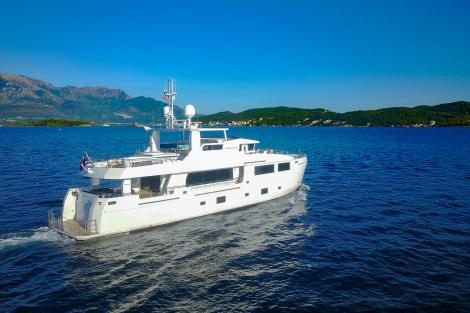 motor yacht Serenitas