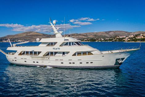 Charter yacht TO JE TO Croatia