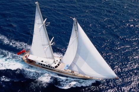 33m sailing yacht TIGERLILY OF CORNWALL