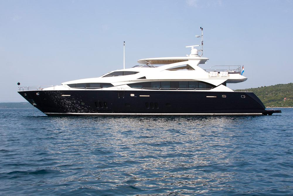 Motor Yacht CASSIOPEIA for charter in Croatia